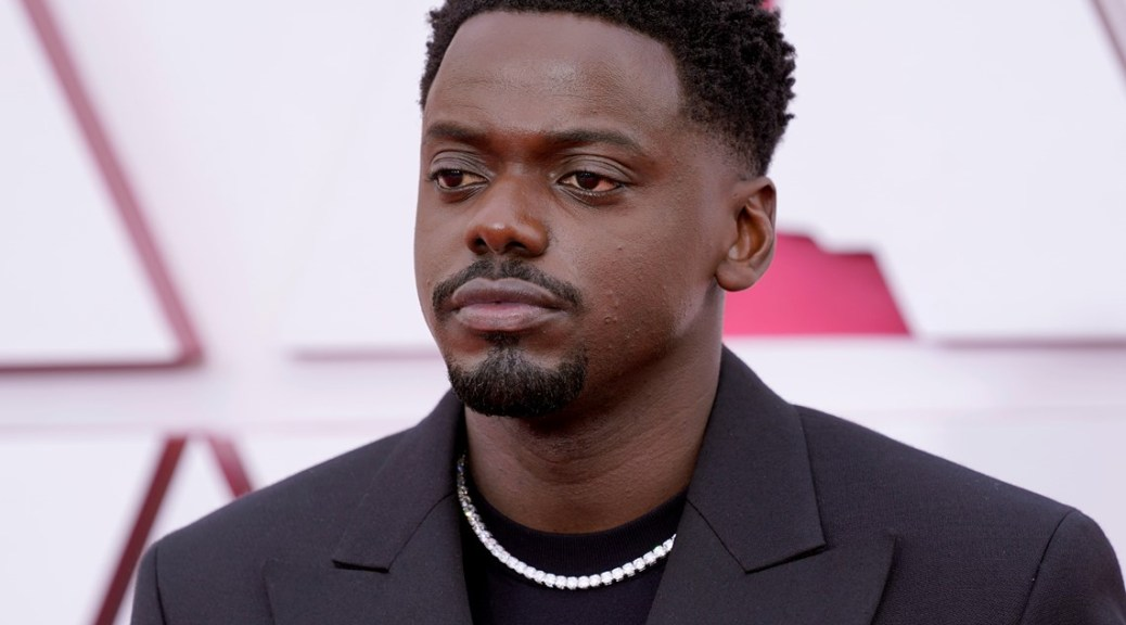 Daniel Kaluuya wins for best supporting actor