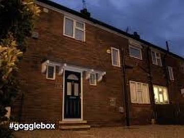 Gogglebox Ellie and Izzi's Yorkshire home is driving fans mad
