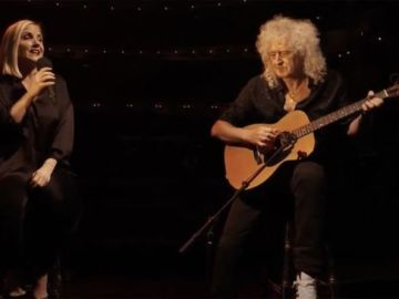 Brian May performs Amazing Grace in stunning rendition with Kerry Ellis – WATCH