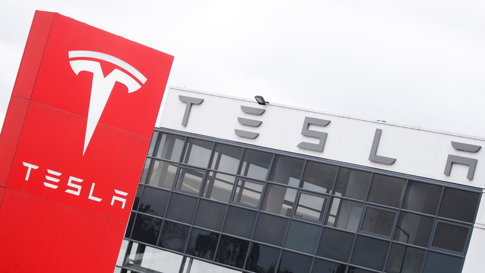 Tesla hit with second Solar Roof lawsuit