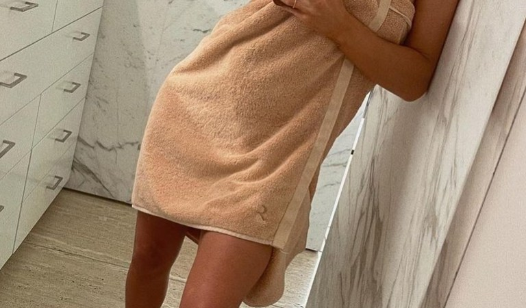 Rosie Huntington-Whiteley stuns as she poses in just a towel in sexy bathroom snap