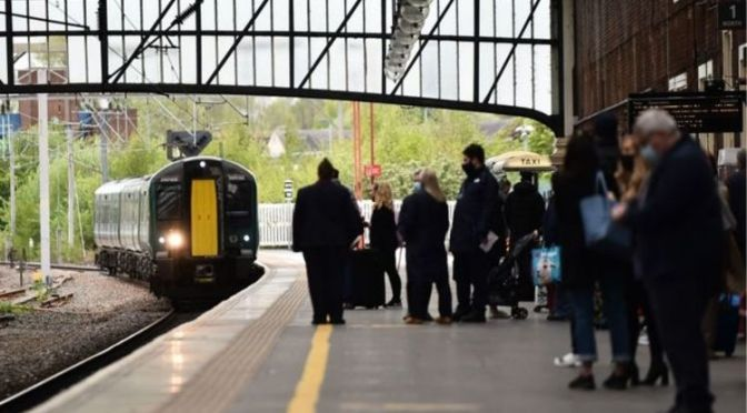 Flexible train tickets: How YOU could save up to £330 when you return to the office
