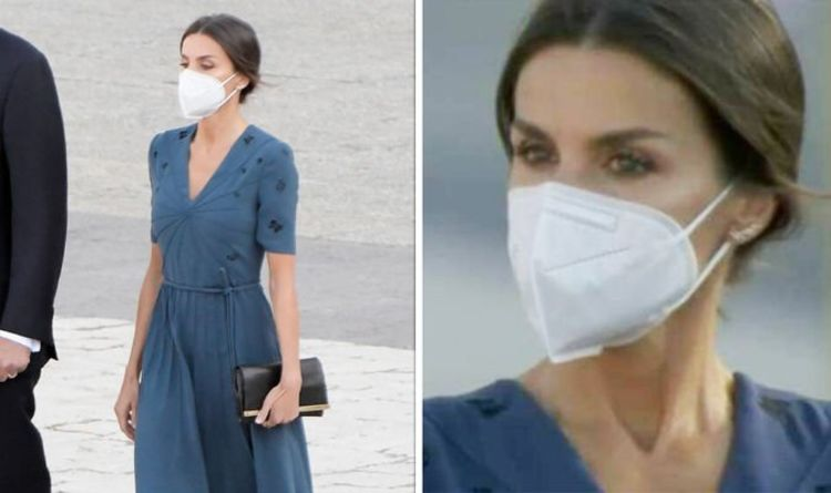 Queen Letizia 'just beautiful' in blue while crying for Covid victims - 'couldn't help it'