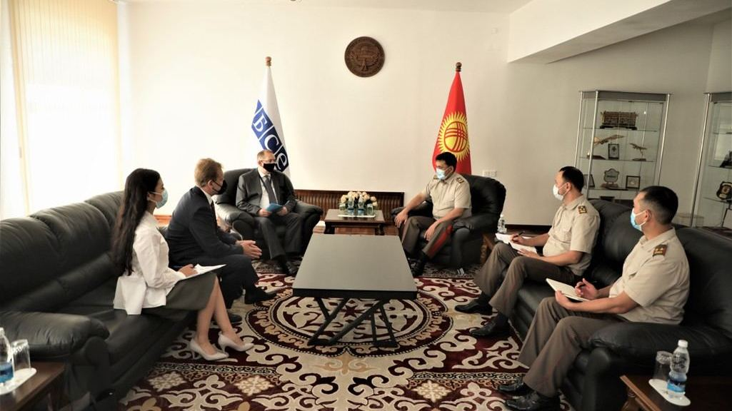 Kyrgyz defense minister meets with head of the OSCE Program Office in Bishkek