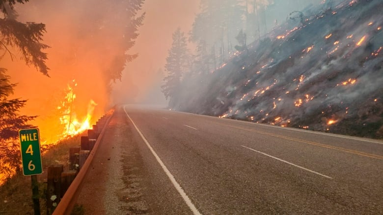 Wildfires raging in the western United States, 2 Arizona firefighters were killed in a plane crash