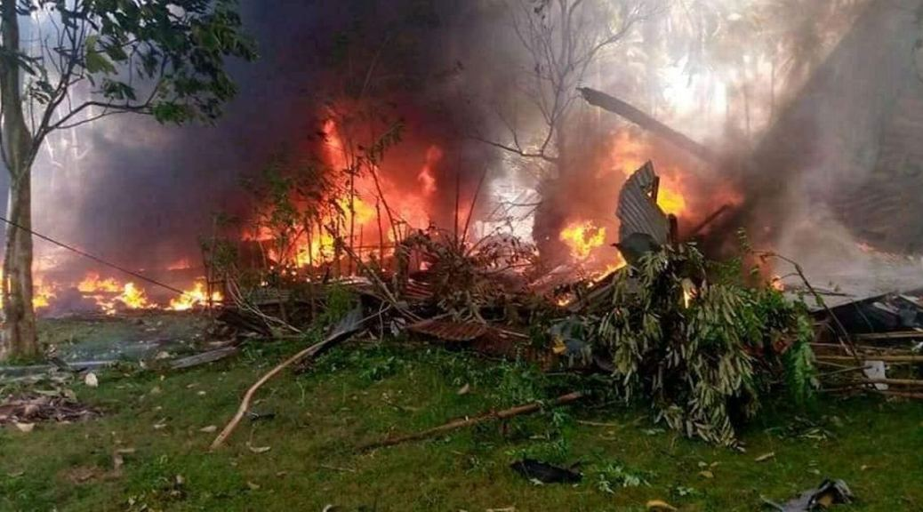 17 killed in military plane crash in southern Philippines
