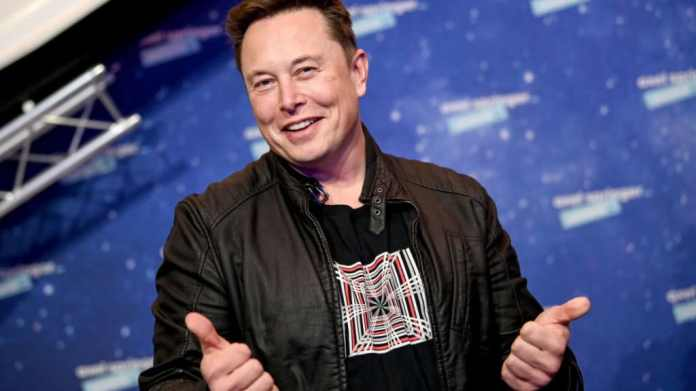 Elon Musk claims he never asked to be CEO at Apple. This would be a great idea. Apple is the end