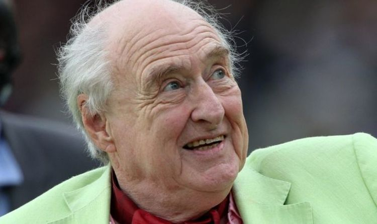 """Henry Blofeld makes the heartbreaking decision to leave UK amid sorrow """"violence"""": """"Lost its charm"""""""