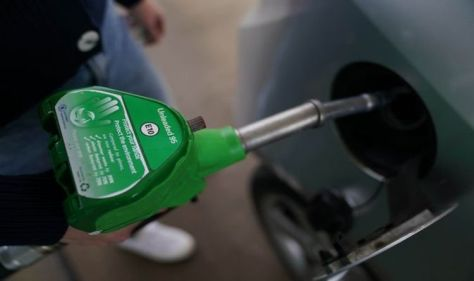 """""""It's irritating"""": Car owners complain about vehicle issues from New E10 gasoline rollout"""
