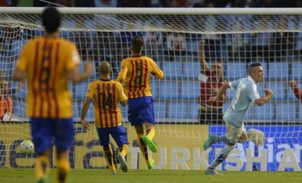 Lago celebrates after scoring his first goal against Barca