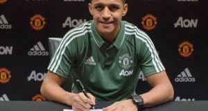 Alexis Sanchez signs for man utd