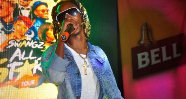 Feffe Busi Left Fans Yearning At The Bell Jamz Silent Disco