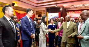 Museveni meets chinese community