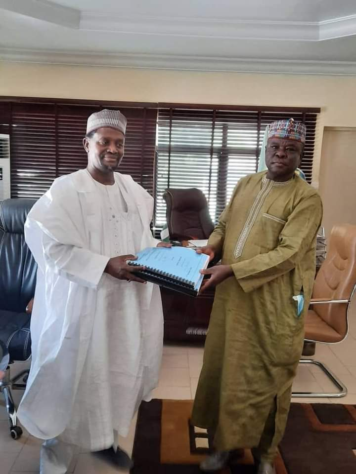 FCE YOLA: Prof. Sa'ad Hands Over To Malgwa As Acting Provost