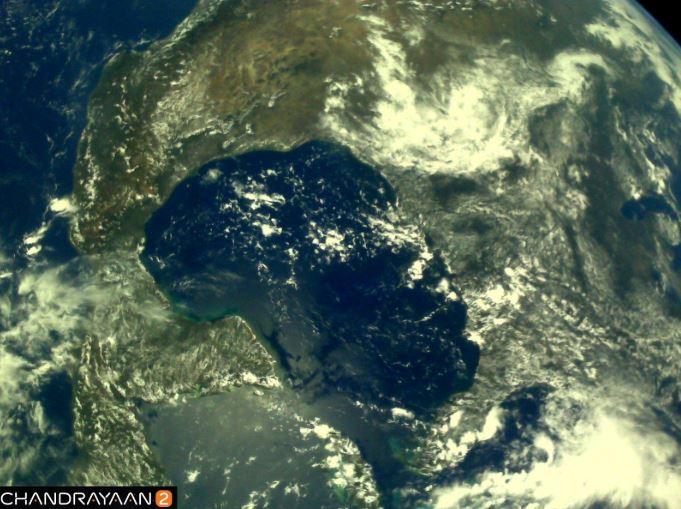 Earth as viewed by #Chandrayaan2 LI4 Camera on August 3, 2019 17:37 UT