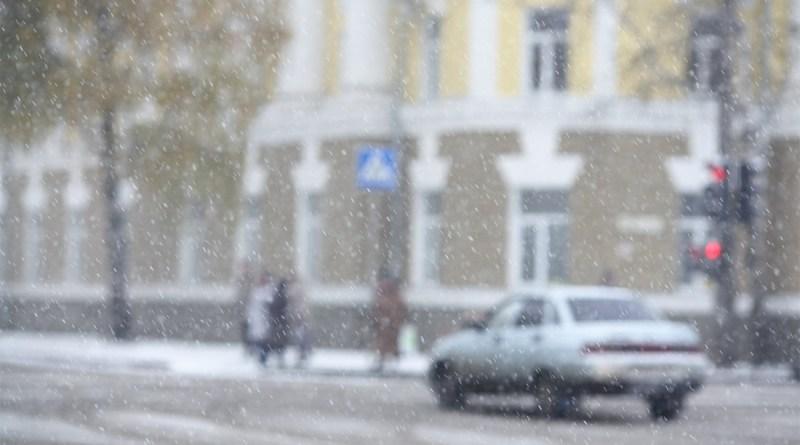 Гидрометцентр рекомендовал автолюбителям Москвы перейти на зимние шины