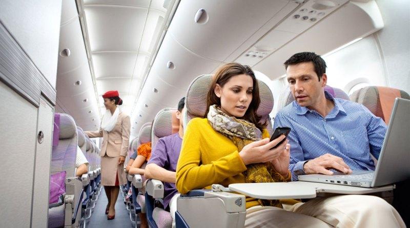 В Думе хотят обязать авиакомпании рассаживать родственников в салоне только на соседних креслах
