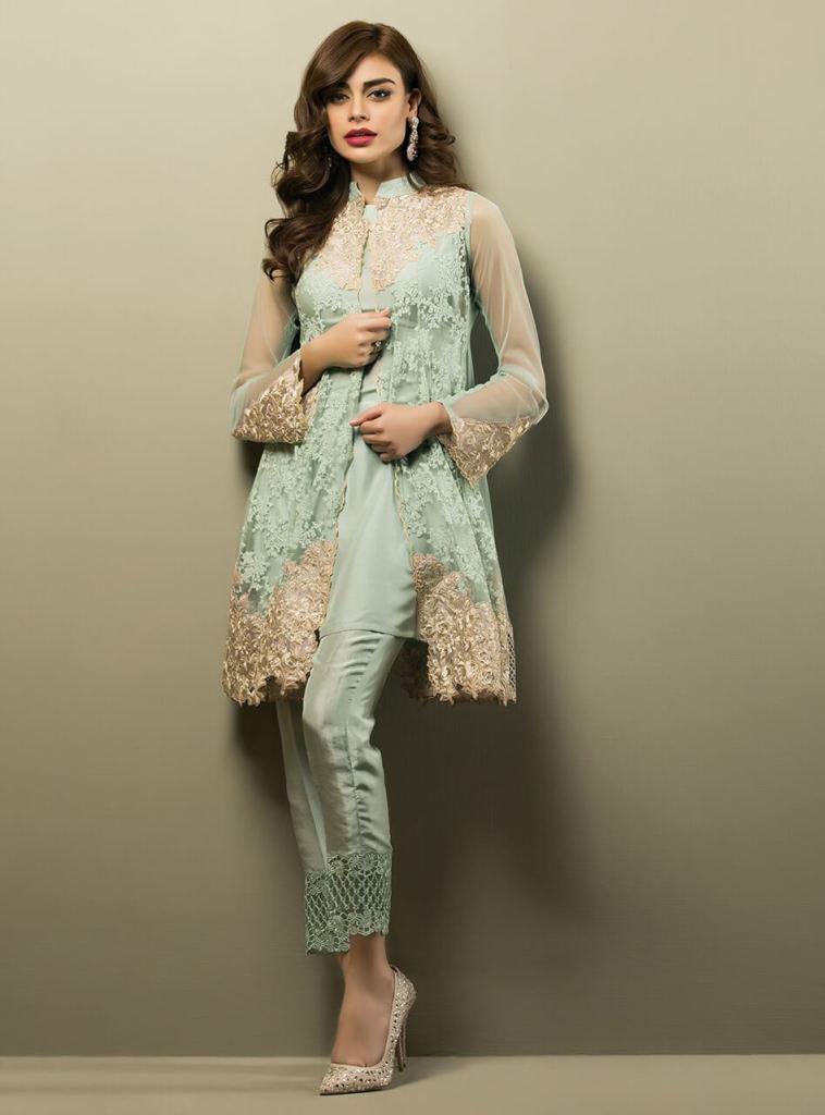 Zainab Chottani Pakistani Fashion Designer