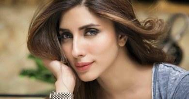 Actress Uzma Khan Files complaint against a group of women for instigating violence, FIR registered