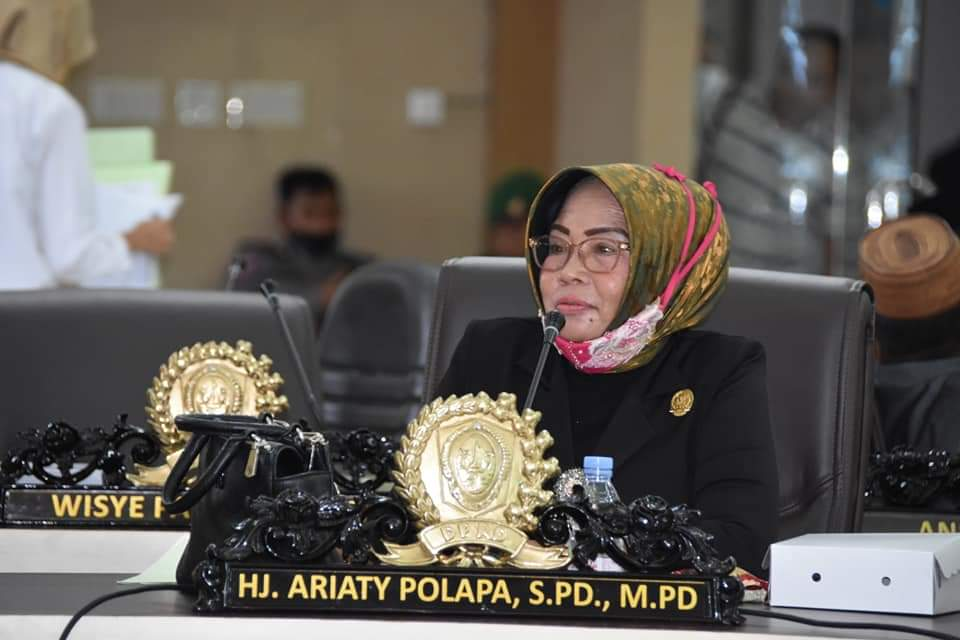 Anggota DPRD Gorut Aryati Polapa