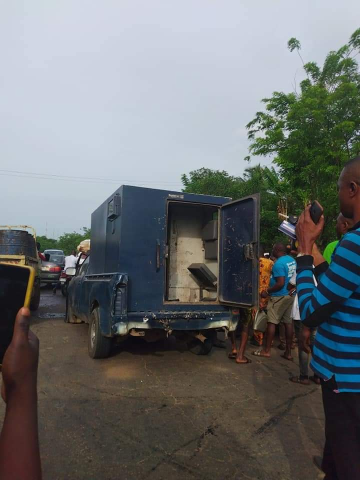 Two dead as robbers attack bullion van in Ondo