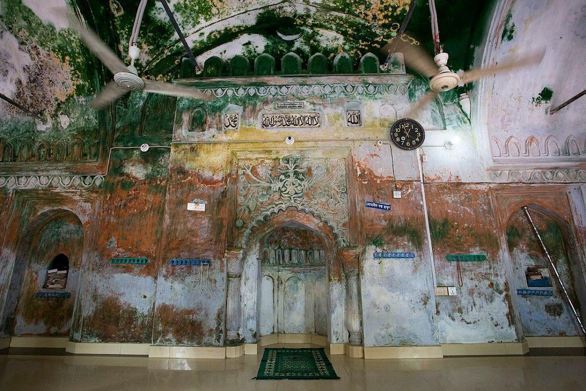 সাড়ে ৪০০ বছরের পুরনো মসজিদ ইলশা বখশী হামিদ মসজিদ