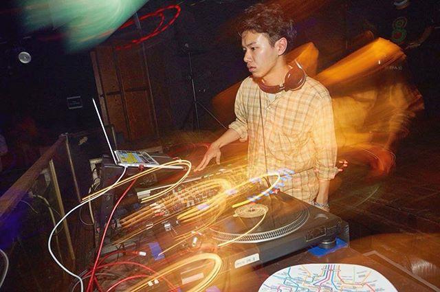 【画像出典:insharee.com】DJ TIGU