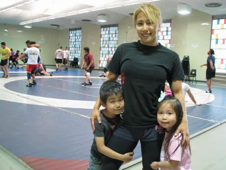 【写真:9rious.jp】次男のアーノン君と長女のミーアちゃん