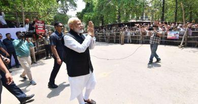 प्रधानमंत्री नरेंद्र मोदी के लोगों से वोट करने की अपील की है उसी को आधार बना कर कांग्रेस ने उन पर हमला किया है।