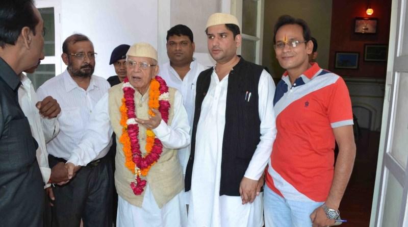 कांग्रेस के दिवंगत नेता एनडी तिवारी के बेटे रोहित शेखर का दिल का दौरा पड़ने से मौत हो गई है।