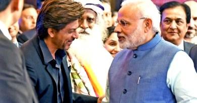 बॉलीवुड अभिनेता शाहरुख खान ने प्रधानमंत्री नरेंद्र मोदी की उस अपील को मान लिया है जिसमें उन्होंने शाहरुख खान समेत दूसरे बड़े सिलेब्रिटीज से कहा था कि वो लोग जनता को वोट देने के लिए प्रोत्साहित करें।