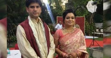 रोहित शेखर अपनी पत्नी अपूर्वा शुक्ला के साथ