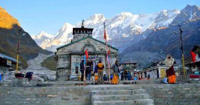 गुरुवार को भगवान केदारनाथ के कपाट भक्तों के लिए सुबह 5 बजकर 35 मिनट पर खुल गए।