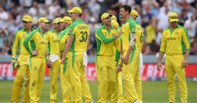आईसीसी वर्ल्ड कप 2019 में ऑस्ट्रेलिया ने सेमीफाइनल में जगह बना ली है। मंगलवार को हुए मुकाबले में उसने मेजबान इंग्लैंड को 64 रनों से हरा दिया।