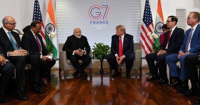 धानमंत्री नरेंद्र मोदी की सोमवार को बियारिट्ज में जी-7 समिट के दौरान अमेरिकी राष्ट्रपति डोनाल्ड ट्रंप से मुलाकात हुई।