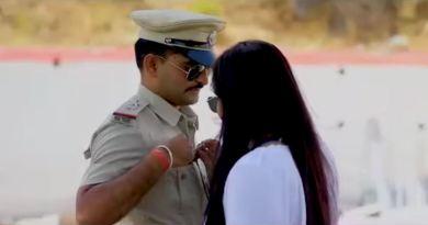 राजस्थान के एक पुलिस ऑफिसर ने भी कुछ ऐसा ही शूट कराया, लेकिन उसके इस शूट पर हंगामा मच गया है।