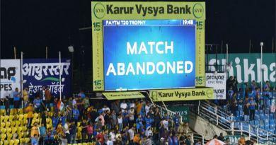 इंडिया और साउथ अफ्रीका के बीच होने वाला पहला टी-20 मैच बारिश की वजह से रद्द हो गया है।