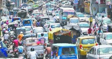 देहरादून और आसपास के इलाकों में आज से प्रदूषण फैलाने वाली गाड़ियों के खिलाफ अभियान शुरू हो गया है। परिवहन विभाग उन वाहन चालकों के खिलाफ कार्रवाई करेगा जिनकी गाड़ियां ज्यादा प्रदूषण फैला रही हैं