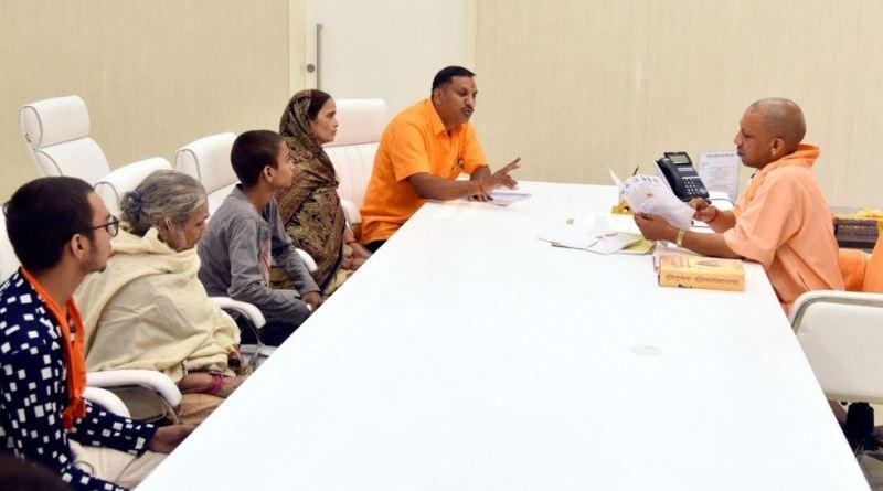 कमलेश तिवारी हत्याकांड के मुख्य आरोपी मोइनुद्दीन पठान और अशफाक समेत 5 आरोपियों की गिरफ्तारी हो चुकी है। मामले की जांच की जा रही है।