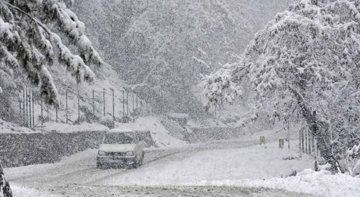 उत्तराखंड में ठंड ने यू-टर्न ले लिया है। सोमवार को रुद्रप्रयाग, चमोली समेत कई जगहों पर बादल छाए रहे।