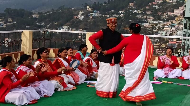 उत्तराखंड की सास्कृतिक और ऐतिहासिक नगरी अल्मोड़ा होली उत्सव की धूम है। हर्सोल्लास के साथ होली उत्सव मनाया जा रहा है।