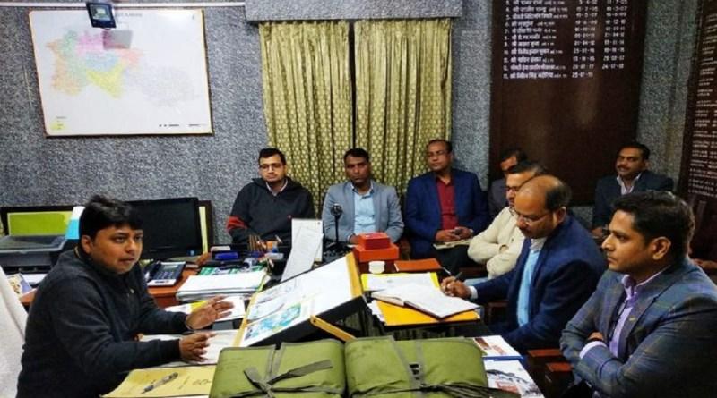 उत्तराखंड में आगामी 18 मार्च को त्रिवेंद्र सिंह रावत सरकार के तीन साल पूरे हो रहे हैं। तीन साल पूरे होने पर सरकार सभी विधानसभा क्षेत्रों में अपने विकास कार्यों की जानकारी आम जनता तक पहुंचाएगी।