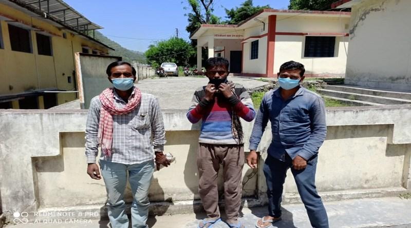 देशभर में कोरोना लॉकडाउन का चौथा चरण जारी है। उत्तराखंड में जहां 22 मार्च से ही लॉकडाउन की घोषणा के बाद दिहाड़ी मजदूर बेहद परेशान हैं।