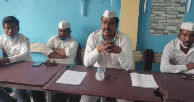 अल्मोड़ा के पूर्व ब्लॉक प्रमुख हरीश बनौला ने कांग्रेस जिलाध्यक्ष पर निशाना साधते हुए कहा कि उनके द्वारा उनके निष्कासन की झूठी खबरें फैलाई गई।