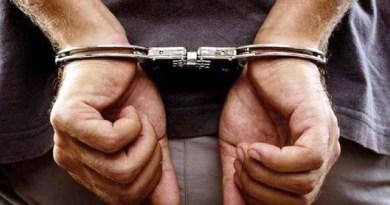 उधम सिंह नगर में एसटीएफ ने हथियारों के जखीरे के साथ उत्तर प्रदेश के एक तस्कर को गिरफ्तार किया है।