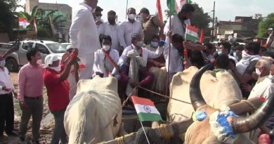 पूर्व CM हरीश रावत को बैलगाड़ी तिरंगा यात्रा निकालना पड़ा भारी, 3 विधायकों समेत 200 कांग्रेसियों पर केस दर्ज