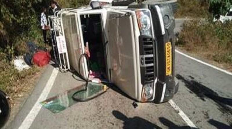 उत्तराखंड में टिहरी जिले के कीर्तिनगर तहसील के बड़ियारगढ़ के पास सड़क हादसा हुआ है। हादसे में सात लोग घायल हुए है।
