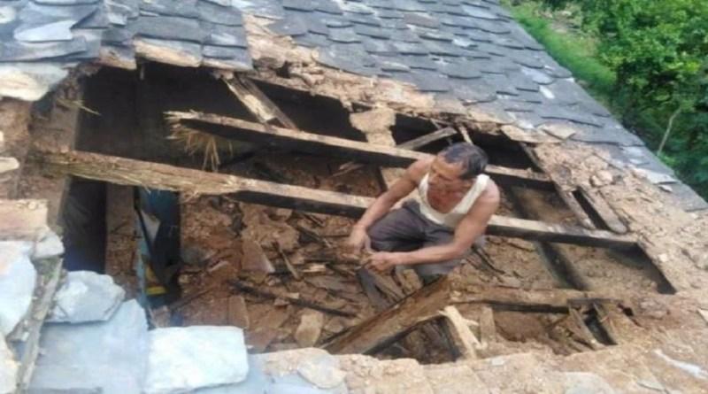 उत्तराखंड के पिथौरागढ़ जिले में बारिश से कोहराम मचा हुआ है। आए दिन बारिश के बीच हादसे हो रहे हैं।