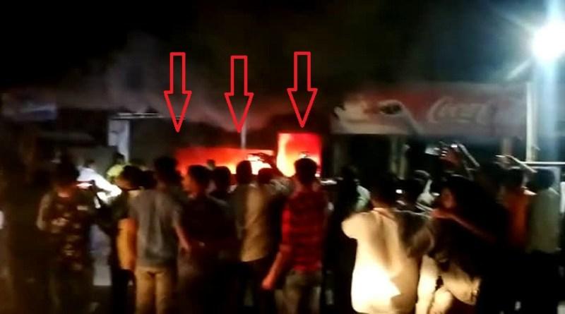 विकासनगर के कालसी गेट बाजार में देर रात अचनाक एक दुकान में भीषण आग लग गई। आग लगते ही आसपास अफरा-तफी मच गई।