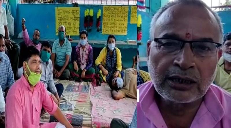 श्रीनगर: संविदाकर्मियों का आमरण अनशन छठे दिन भी जारी, इन मांगों को लेकर कर रहे हैं प्रदर्शन